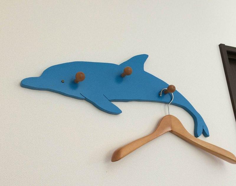 イルカのコートハンガー